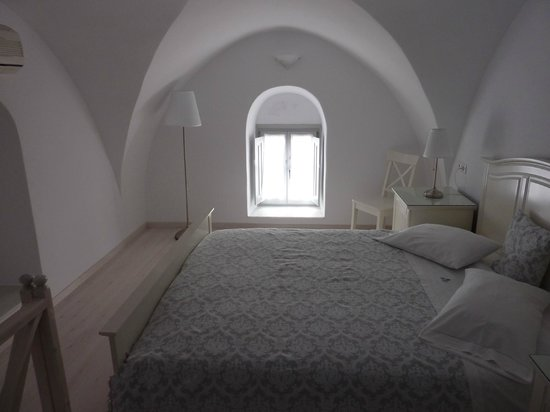 Archontiko Santorini: Upstairs