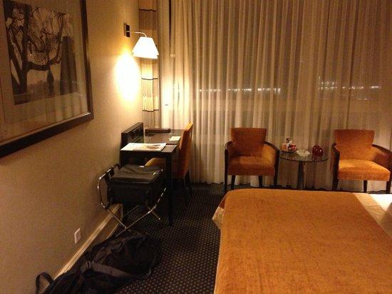 Hotel Auteuil - Manotel Geneva: Room
