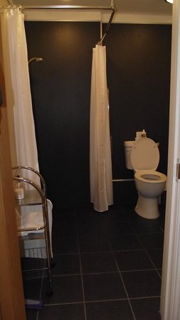 Sandhills Farm B&B : Charlolais bathroom