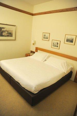 Park Hotel Ca Noa: Il letto ha dimensioni soddisfacenti