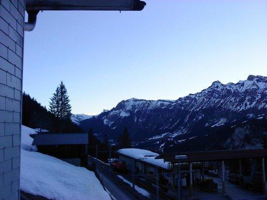 Eiger Guesthouse: vue 1/4 depuis la chambre