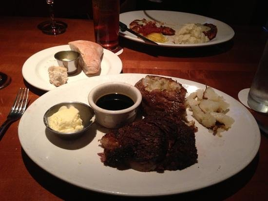 Bricktop's Restaurant: prime rib couldn't be better.