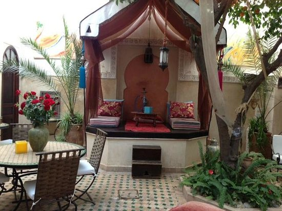 Riad Aguerzame: In the common area / lobby / breakfast / dining