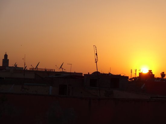 Riad Aguerzame: Sunset from the roof garden