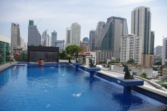 Admiral Premier Bangkok by Compass Hospitality: piscine