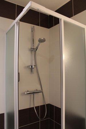 Hotel de France: détail salle de bain