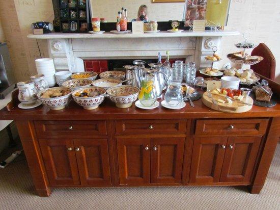 Ariel House: Buffet portion of breakfast