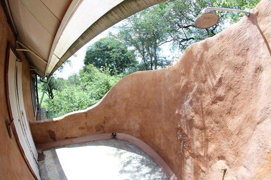 Garonga Safari Camp: Aussendusche