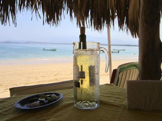 El Paraiso Escondido: Cold wine!