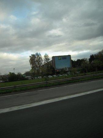 Holiday Inn Express Gent: Uitzicht vanop de autostrade