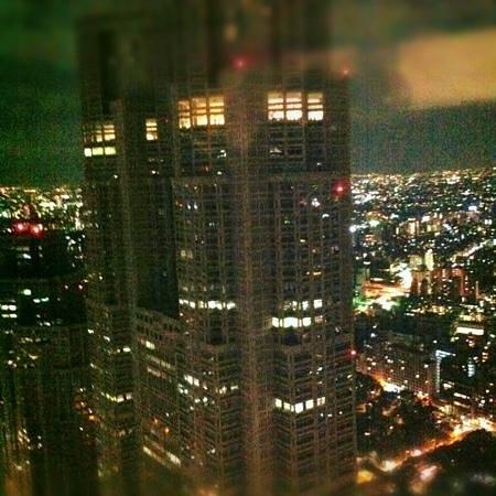 Shinjuku Sumitomo Building: 展望台から都庁がキレイに