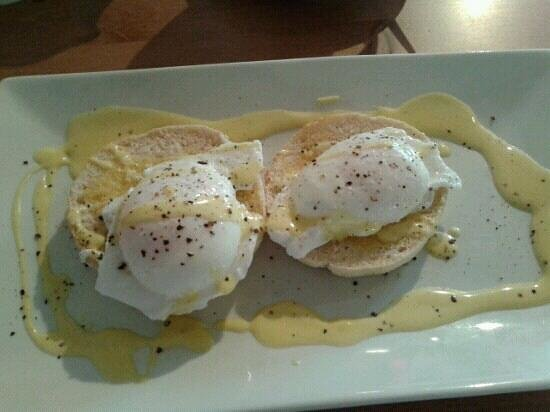 The Little Love Food Company: Poached eggs in muffin.. amazing