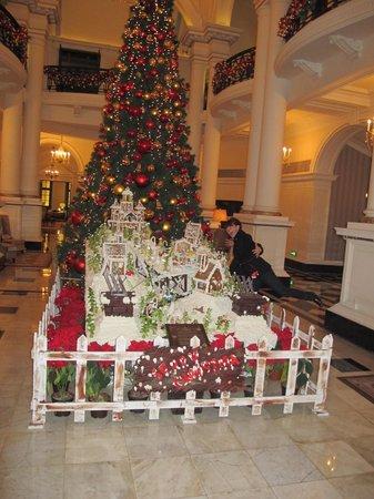 New Year's Tree in Waldorf Astoria Lobby