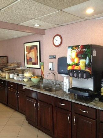 Days Inn Easton: breakfast