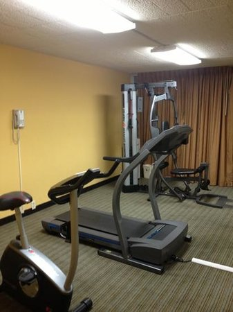 Days Inn Easton: fitness center