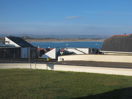 Strandeen Bed and Breakfast: The view