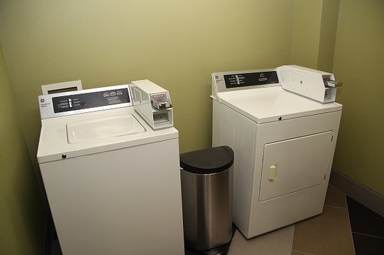 BEST WESTERN Executive Inn: Guest Laundry