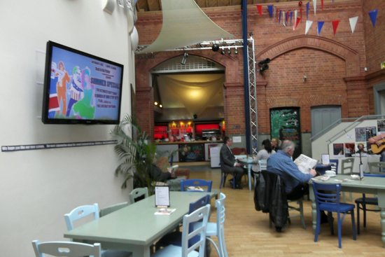 Lincoln Drill Hall: The restaurant area