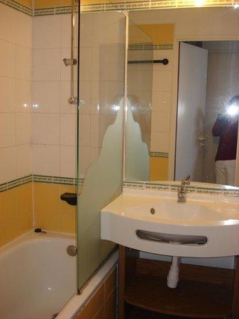 Pierre & Vacances Residence Saskia Falaise: la salle de bains
