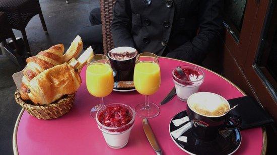 Le Trait d'Union : French breakfast
