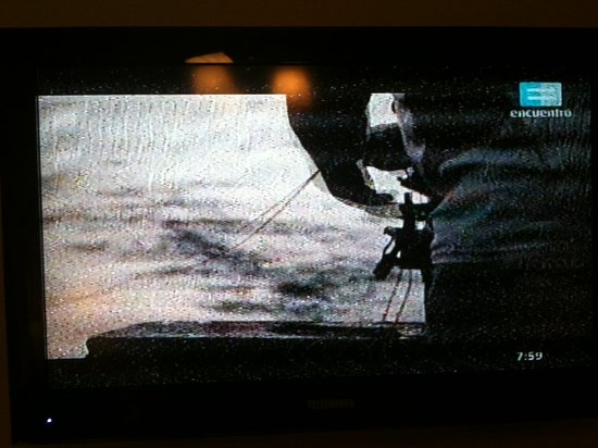 Hotel Austral Bahia Blanca: Defectuosa señal TV cable