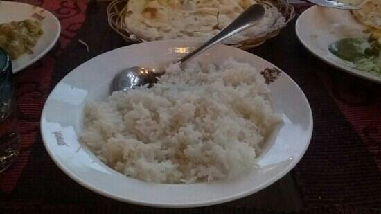 Gan Ni Shi Indian Restaurant : This is how they serve rice,  i can do better.