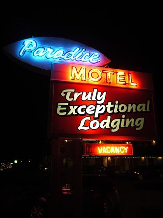Paradice Motel: Sign