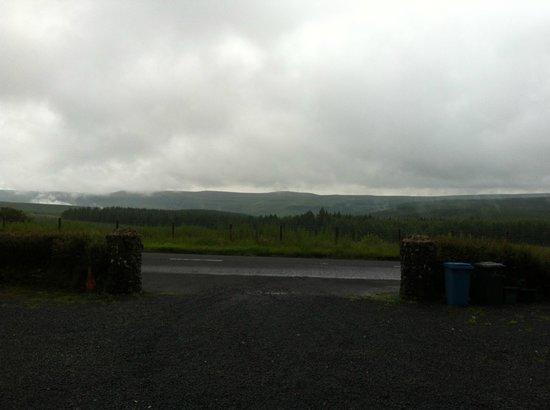 Ballyeamon Barn: Rainy day - but still beautiful!