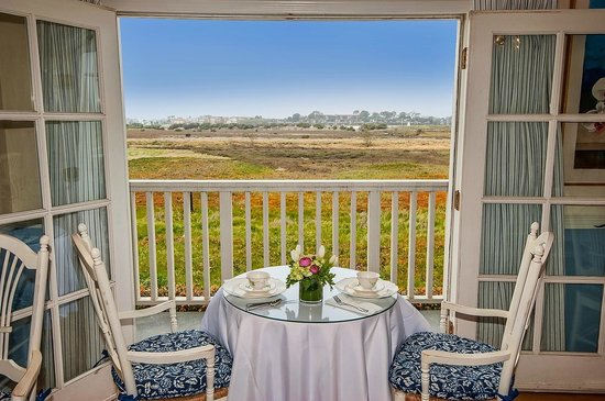 Inn at Playa Del Rey: The gorgeous view from our breakfast room
