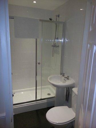Central Hotel: En-suite Bathroom