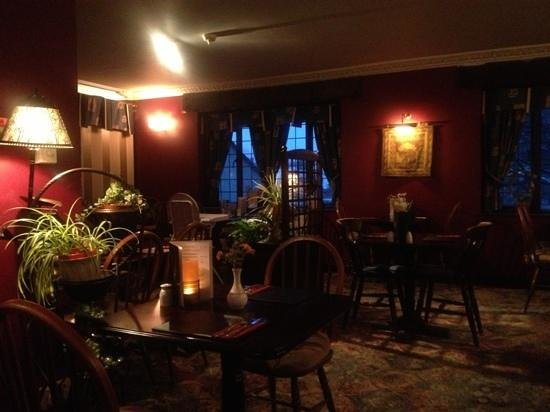 Sutherlands Restaurant: it was lovely especially when it was snowy and windy outside!