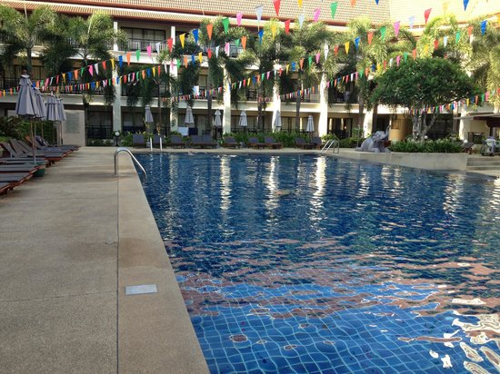 Deevana Patong Resort & Spa: Spa wing pool