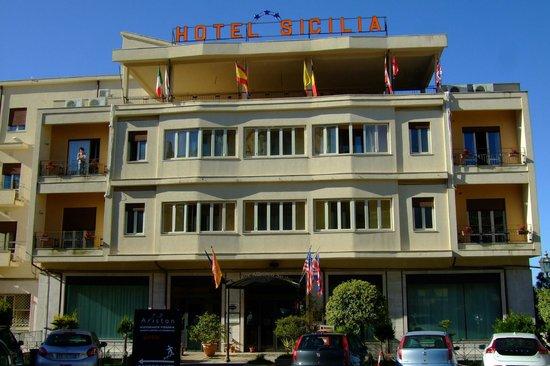 Hotel Sicilia: Dies ist die korrekte Ansicht des Hotels Sicilia in Enna!
