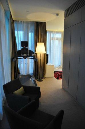 Living Room Picture Of The Gibson Hotel Dublin Tripadvisor