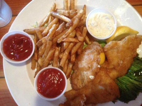 Schooners Wharf: Crispy battered fish & chips with catsup, tartar sauce & cocktail sauce