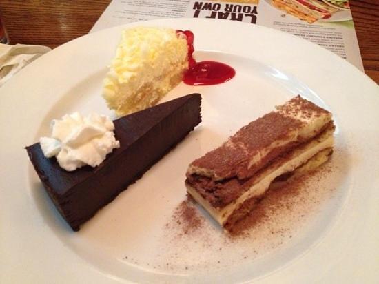 Bertucci's: Trio Dessert