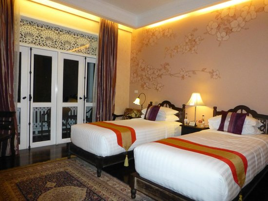 Ping Nakara Boutique Hotel & Spa: Bedroom with 2 twin beds