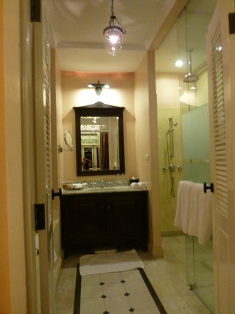 Ping Nakara Boutique Hotel & Spa: Bathroom