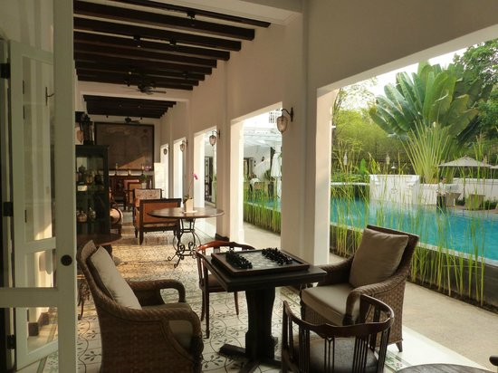 Ping Nakara Boutique Hotel & Spa: Portico overlooking the pool