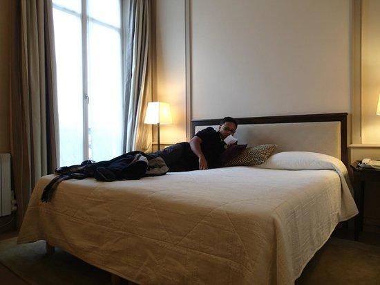 Hotel de l'Arcade: Comfortable Bed
