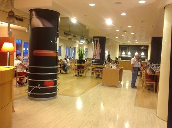 Ibis Firenze Nord Aeroporto : sala colazioni