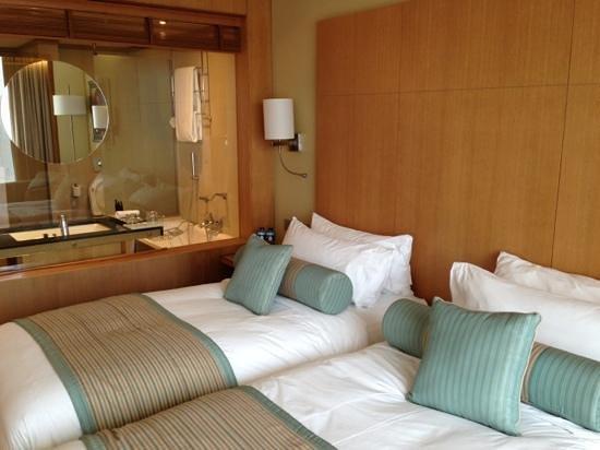 Sankara Nairobi: twin bed
