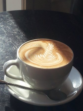 Samuel's Coffeehouse: beautiful Latte