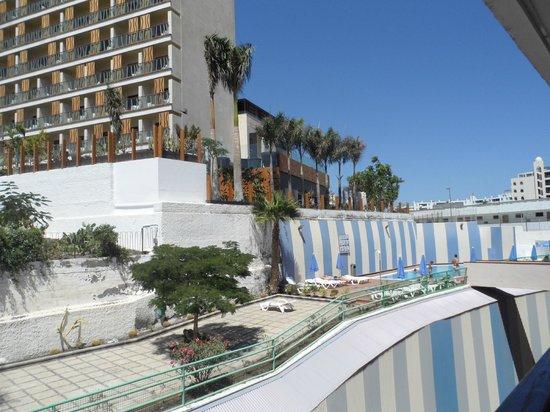 Las Gondolas Apartments : Piscina