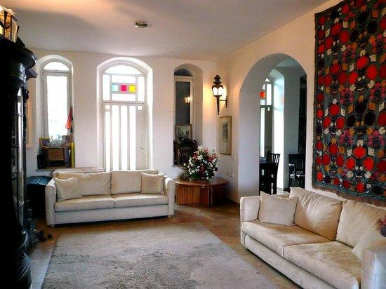 Diana's House: Living Room