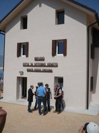 Rifugio Citta di Vittorio Veneto: Inaugurazione