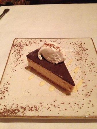 Pirogue Grille: yummy peanut butter pie