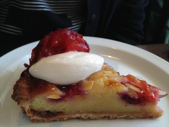 The Dessert Shop: almond and plum cake