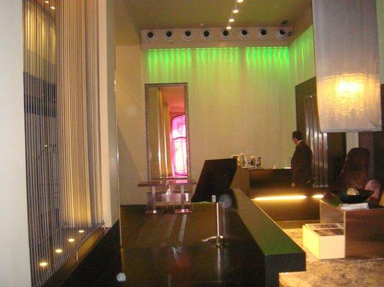 987 Barcelona Hotel: hall y recepcion