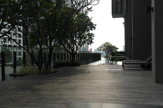 Hansar Bangkok Hotel : Der Poolbereich